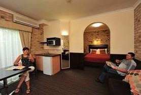 Highlander Motor Inn And Apartments - Accommodation Melbourne