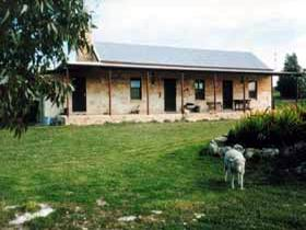Mt Dutton Bay Woolshed Heritage Cottage - Accommodation Melbourne