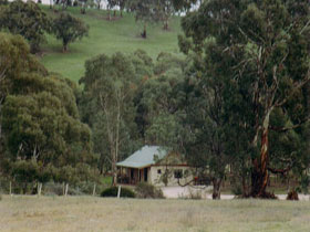 Wuthering Heights - Bronte Manor - Accommodation Melbourne
