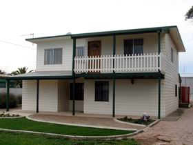 Louth Bay Holiday Apartment - Accommodation Melbourne