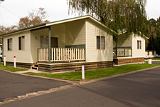 Pleasurelea Tourist Resort and Caravan Park - Accommodation Melbourne