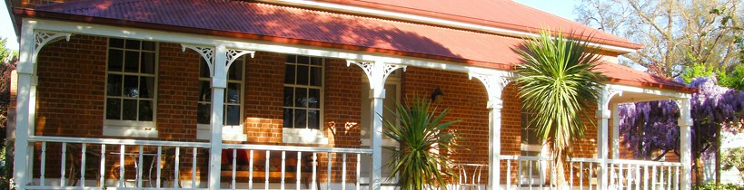 Araluen Old Courthouse Bed and Breakfast - Accommodation Melbourne