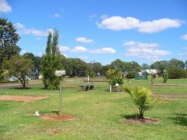 Yarraman Caravan Park - Accommodation Melbourne