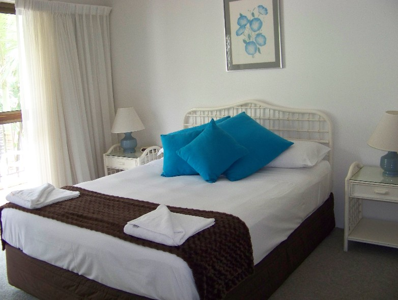 Old Burleigh Court Holiday Apartments - Accommodation Melbourne