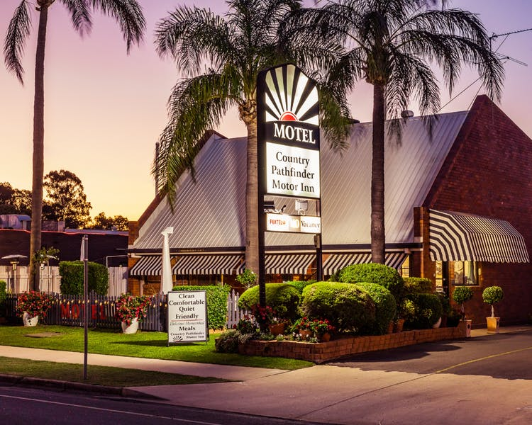 Country Pathfinder Motor Inn - Accommodation Melbourne