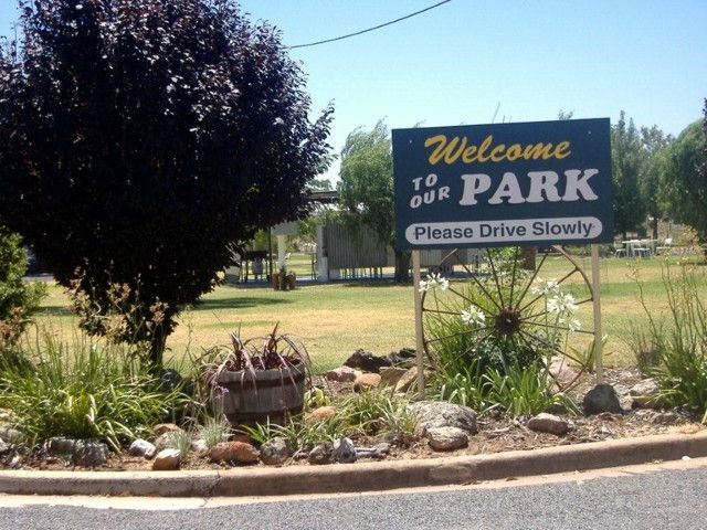 Country Club Caravan Park - Accommodation Melbourne