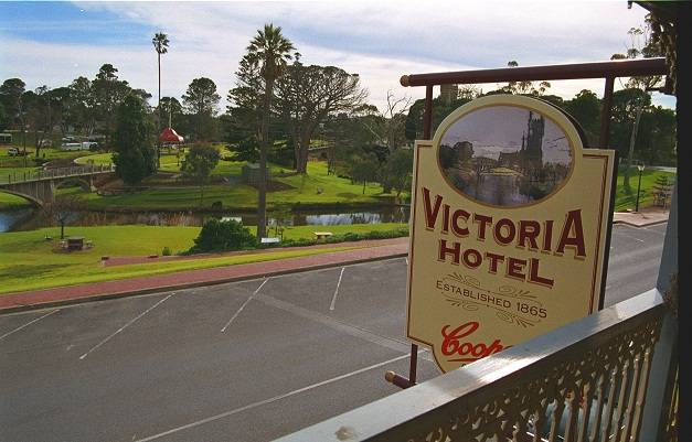 Victoria Hotel - Accommodation Melbourne