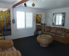Sails Beach House Apartment Pottsville - Accommodation Melbourne