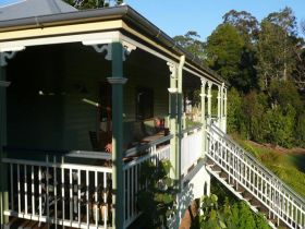 The Sanctuary Springbrook. Guest House / Cottage - Accommodation Melbourne