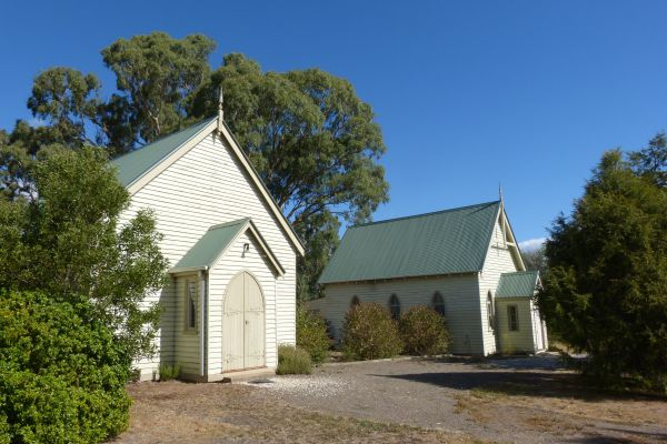 Churches of Yarck - Accommodation Melbourne