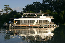 Whitewater Houseboat - Accommodation Melbourne