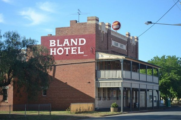 Bland Hotel - Accommodation Melbourne
