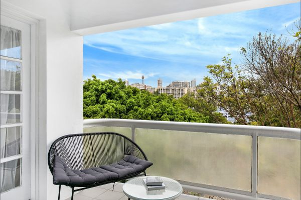 New Beach Apartment - Accommodation Melbourne