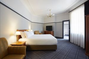 Brassey Hotel - Accommodation Melbourne