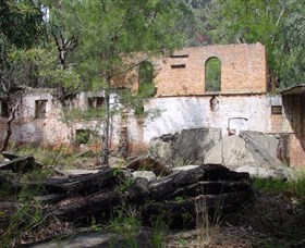 Newnes Shale Oil Ruins - Accommodation Melbourne