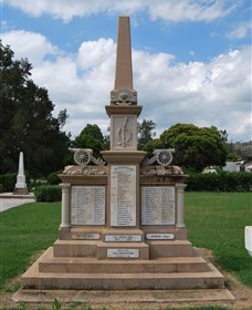 Boer War Memorial and Park Allora - Accommodation Melbourne