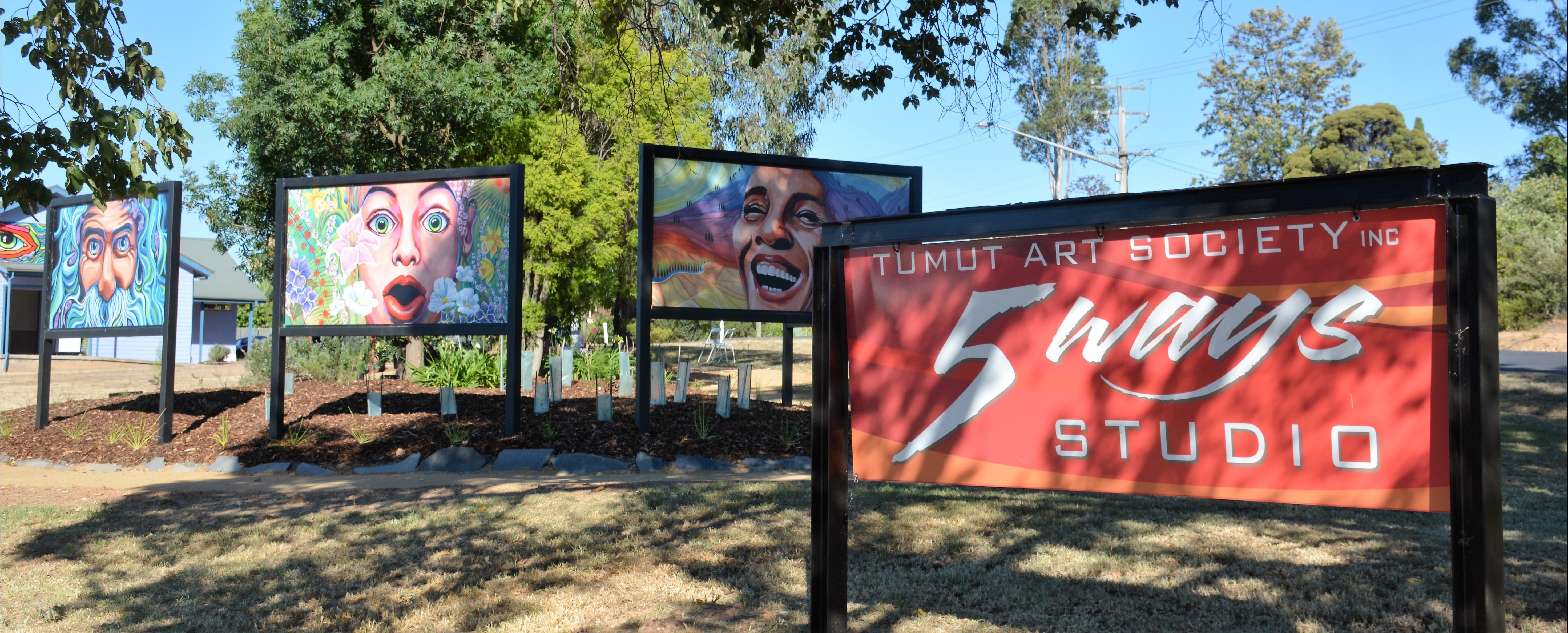 Tumut Art Society 5Ways Gallery - Accommodation Melbourne
