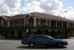 Keighery Hotel - Accommodation Melbourne
