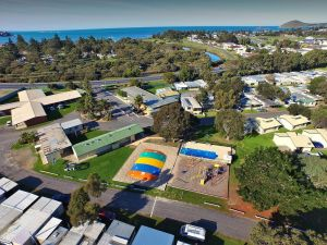 Victor Harbor Holiday  Cabin Park - Accommodation Melbourne
