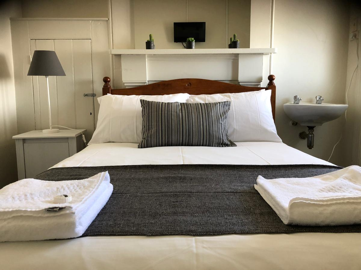 Cornwall Hotel - Accommodation Melbourne