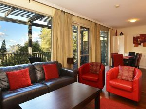 Villa Cypress located within Cypress Lakes - Accommodation Melbourne