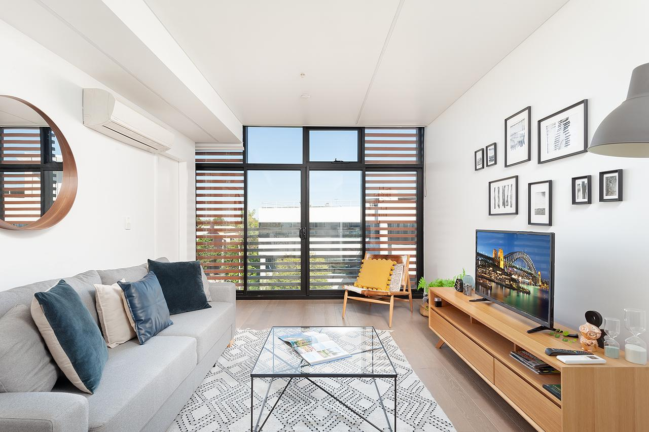Newtown's Best Designer Apartment - Accommodation Melbourne