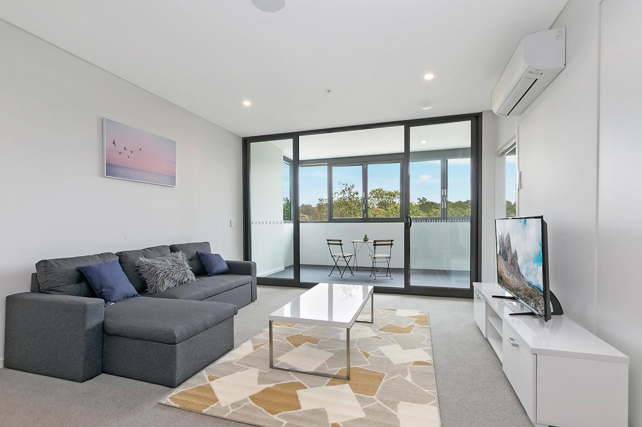Stylish and Neat two bed apartment in Wentworth Point - Accommodation Melbourne