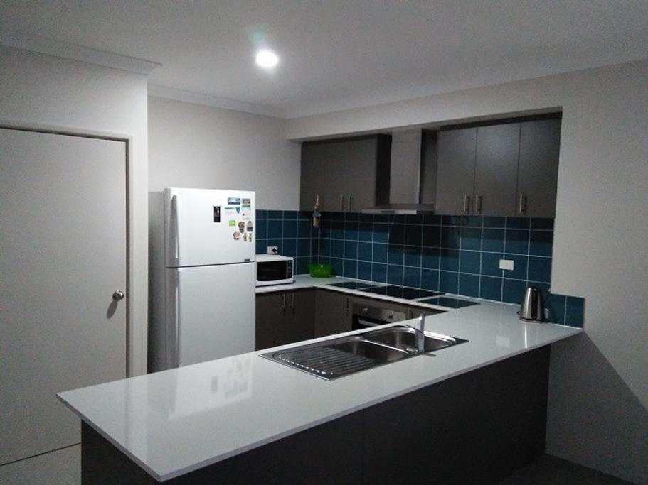 Near Train Station - Accommodation Melbourne