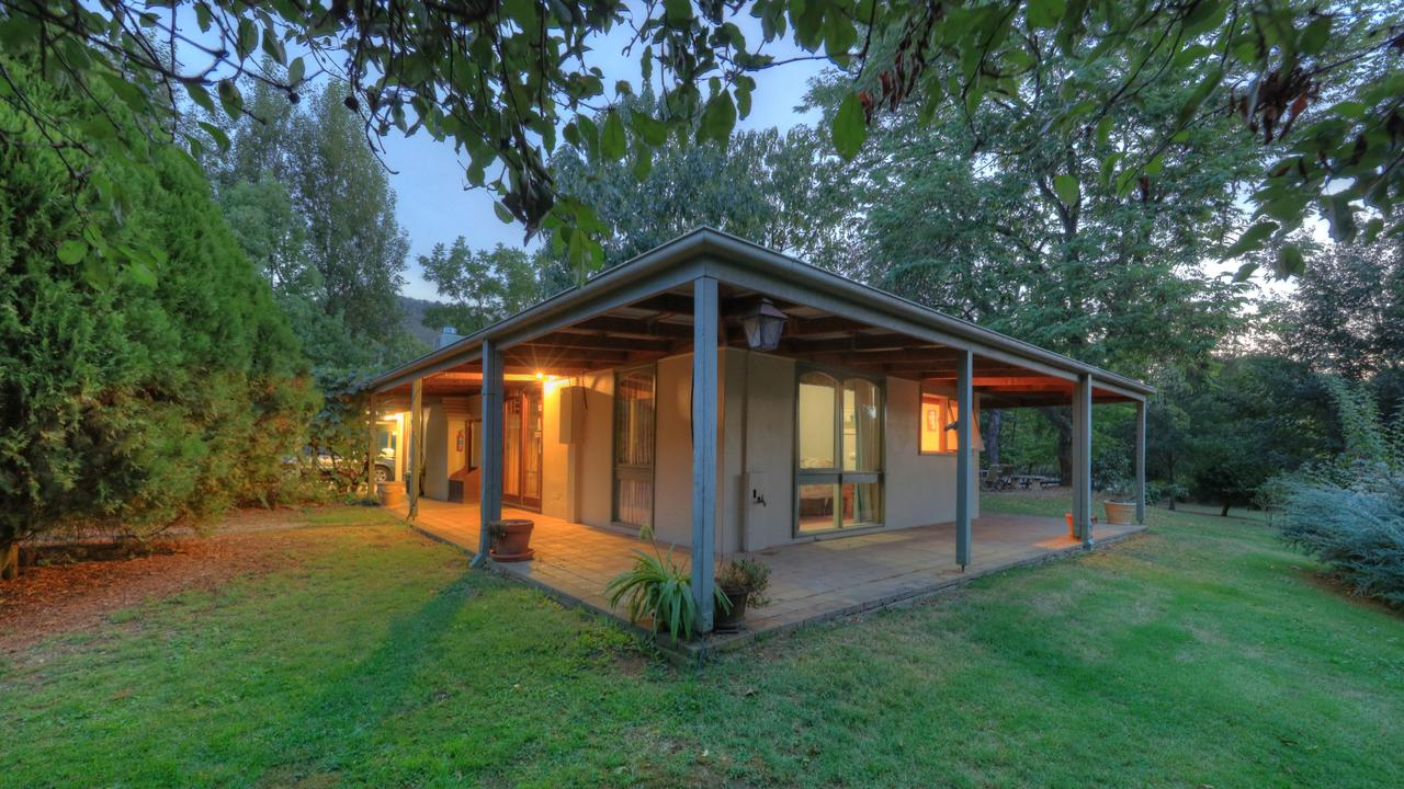 Aspens Springs Farmstay - Accommodation Melbourne