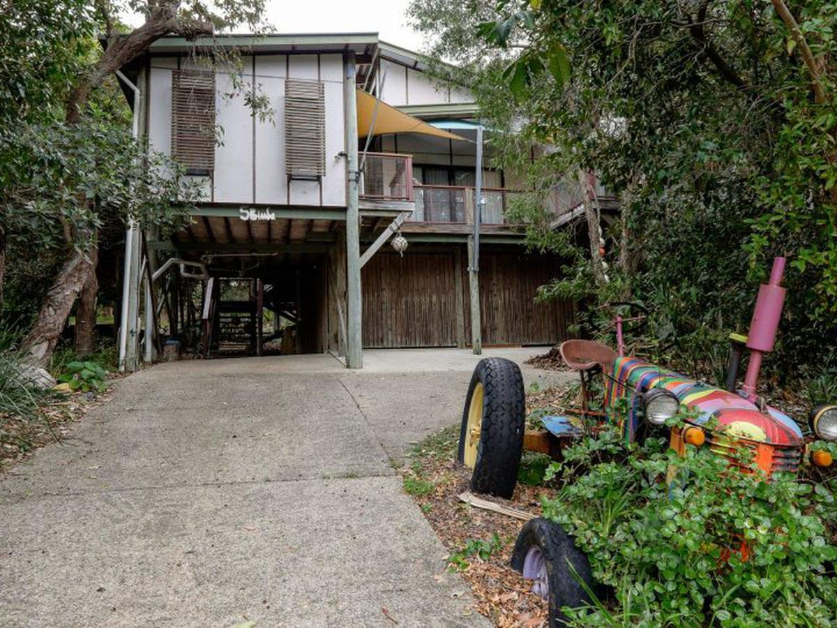 Five Bimba Tractor House - Accommodation Melbourne